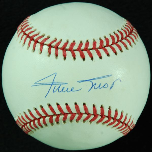 Willie Mays Single-Signed ONL Baseball (PSA/DNA)